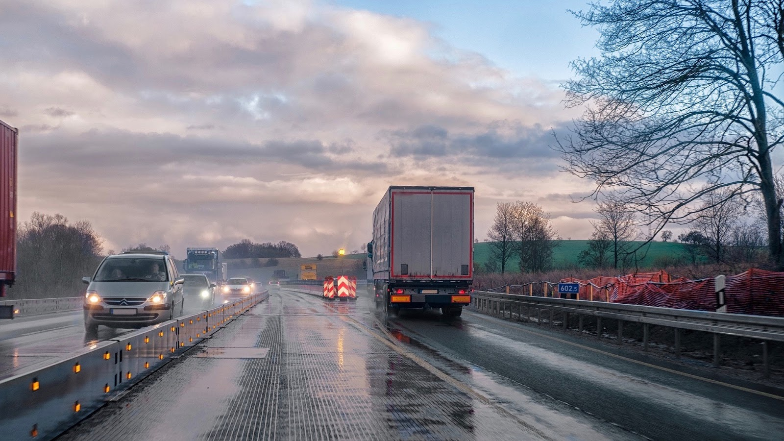 Truck Driver Safety Tips: How to Drive in Heavy Rain